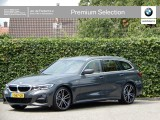 BMW 3 Serie Touring 320i High Exe | Model M Sport | Audio + Parking Pack | Panoramadak | DAB