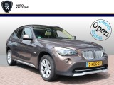 BMW X1 2.3D XDRIVE BUSINESS Panoramadak HarmanKardon Leer Navi Stoelverw. FULL! 204PK!