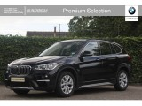 BMW X1 sDrive 18i | xLine | Sportstoelen | Camera | HiFi | Adaptive Led | Trekhaak | Dy