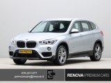 BMW X1 sDrive20i Essential | Leder | Stoelverwarming | Head-up display | Navigatie Plus