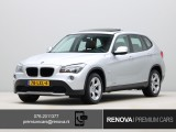 BMW X1 sDrive18i Executive | Leder | Sportstoelen | Stoelverwarming | Panoramadak | PDC