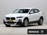 BMW X2 sDrive20i | Model Essential | Navigatie Business | Achteruitrijcamera | Park Dis