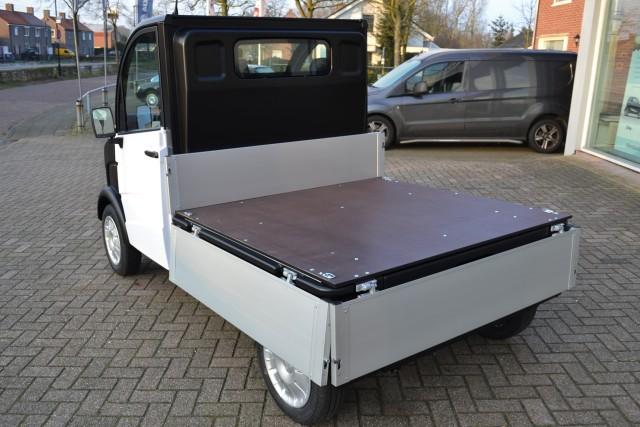brommobielen aixam 400 k2 pro d truck laadbak brommobiel nieuw nieuwe auto 39 s. Black Bedroom Furniture Sets. Home Design Ideas