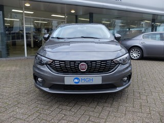 Uitblinker: Fiat Tipo 1.6 110 pk Automaat Business Lusso Summer Sale