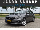 Fiat Tipo Stationwagon 1.4 16v Lounge Cruise control / Navigatie / Parkeersensoren / Airco