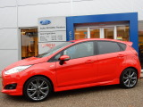 Ford Fiesta 1.0 ECOBOOST 100PK ST LINE 5DRS | 17-INCH | NAV | CLIMA | SPOILER | RACE RED |