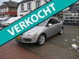 Ford Focus 1.6-16V Trend Automaat,Airco,Cruise control,Trekhaak,Parkeersensoren,Radio/cd-sp