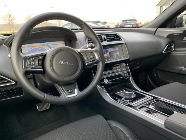 Jaguar Xe 20d 163pk Aut R Sport Beste Stoelen Groot Navi Meridian 19 Velgen Meer