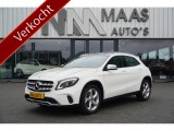 Mercedes-Benz GLA 180 AUT7 PANORAMADAK TREKHAAK URBAN