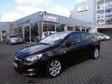 Opel Astra 1.4 TURBO 140 PK SEDAN BUSINESS+