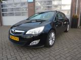 Opel Astra 1.6 Turbo Cosmo