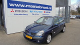 Renault Clio 1.6 16v 5drs. Initiale 1.6 16v 5drs. Initiale Staat in Hardenberg