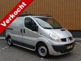 Renault Trafic 2.5 dCi T29 L1H1 Navigatie Trekhaak ladder Imperiaal sidebas Airco 146 PK! A.S.