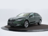 Skoda Superb Combi 1.5 TSI ACT Style Business met o.a. Techpakket, camera, trekhaak, adaptive