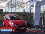 Toyota Aygo 1.0 VVT-i x-play NL AUTO Bluetooth Airco Camera .