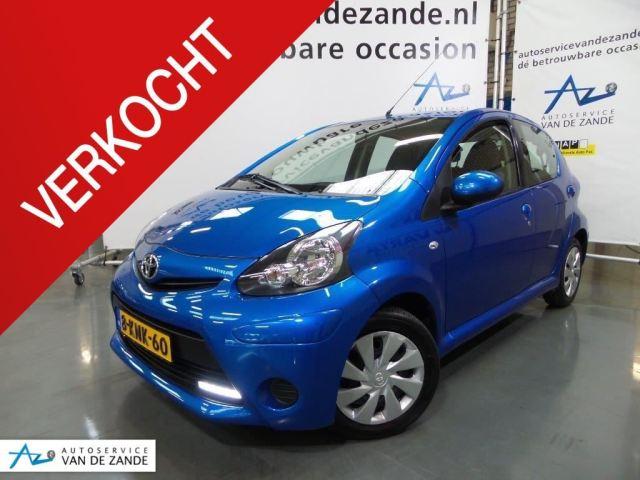 Toyota Aygo 1.0 VVT-i Aspiration / airco / 5 deurs / blauw-metallic ...