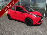 Toyota Aygo 1.0 VVT-i x-Red & Black Airco Geen import auto Blue tooth
