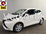 Toyota Aygo 1.0 VVT-I X-PLAY AIRCO-CAMERA-LED-5DRS-CRUISE CONTROL