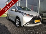 Toyota Aygo 1.0 VVT-i x-play Camera Airco BT