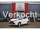 Toyota Aygo 1.0 VVT-i 70pk x-play | Navigatie | Airco | Bluetooth connectiviteit |