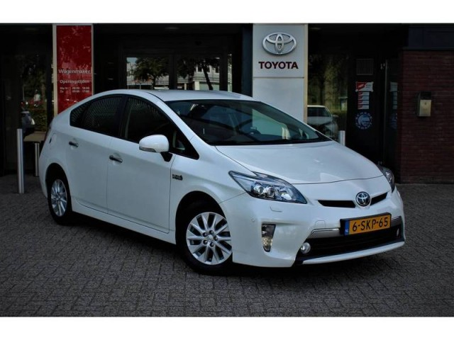 Toyota Prius 1 8 Plug In Hybrid Executive Business Tweedehands