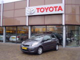 Toyota Yaris 1.0 VVTI COOL
