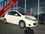 Toyota Yaris 1.0 VVT-i Now Geen import Airco cv ps