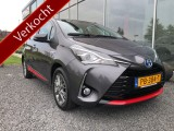 Toyota Yaris 1.5 Hybrid Design Red NL auto Safety Pack