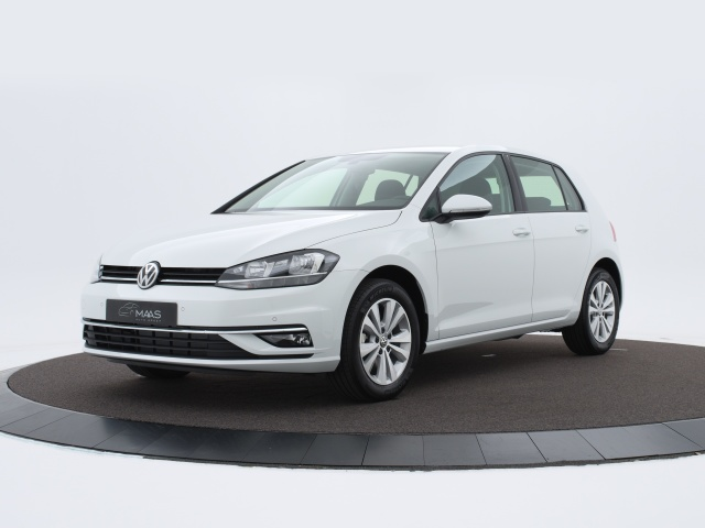 volkswagen golf 1 0 tsi comfortline navigatie dab executive comfort pakket app connect. Black Bedroom Furniture Sets. Home Design Ideas
