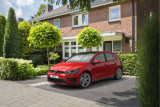 Volkswagen Golf 1.6 TDI Highline Business R, navigatie, lane assist, DSG