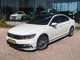 Volkswagen Passat 1.4 TSI Highline Bns R-Line Digitaal dashboard