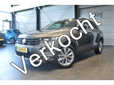 Volkswagen T-Roc 1.5 TSI Style navi clima cruise pdc camera led 17 inch !!