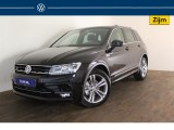 Volkswagen Tiguan 1.5 TSI ACT Highline - R-Line In & Exterieur - Navigatie - Full LED - Panoramada