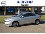 Volvo S60 D2 MOMENTUM / AUTOMAAT / Navigatie / PDC / 17 inch / Climate Control /