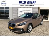 Volvo V40 Cross Country T4 / 180pk MOMENTUM