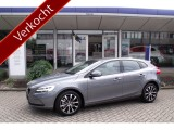 Volvo V40 T3 150 pk Automaat Dynamic Edition / AKTIE MODEL / AUTOMAAT/ NAVI / LED / 17""