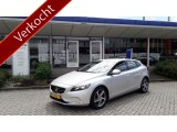 "Volvo V40 D2 Intro Edition / Parkeer camera / 17"" / Navigatie"
