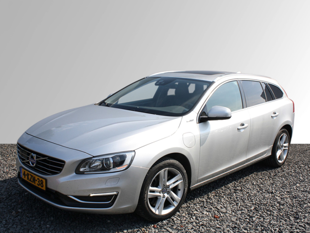Volvo V60 2 4 D6 Awd Plug In Hybrid Summum Full Option Afneembare
