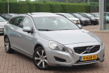 Volvo V60 2.4 D6 AWD PLUG-IN HYBRID PURE LIMITED / ALLE DENKBARE OPTIE'S /