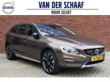 Volvo V60 Cross Country D4 190PK Geartronic Nordic+ | Standkachel | Volvo on Call | 19'' B