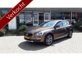 Volvo V60 Cross Country D3 150 pk Nordic+ / Adaptieve cruise control /