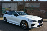 Volvo V60 T8 AWD Polestar Engineered 405PK / Direct leverbaar / Keyless / 360 Camera / Sch