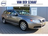 Volvo V70 T4 180PK Automaat / Limited Edition / Leder /Xenon / Trekhaak / Full Map Navi /